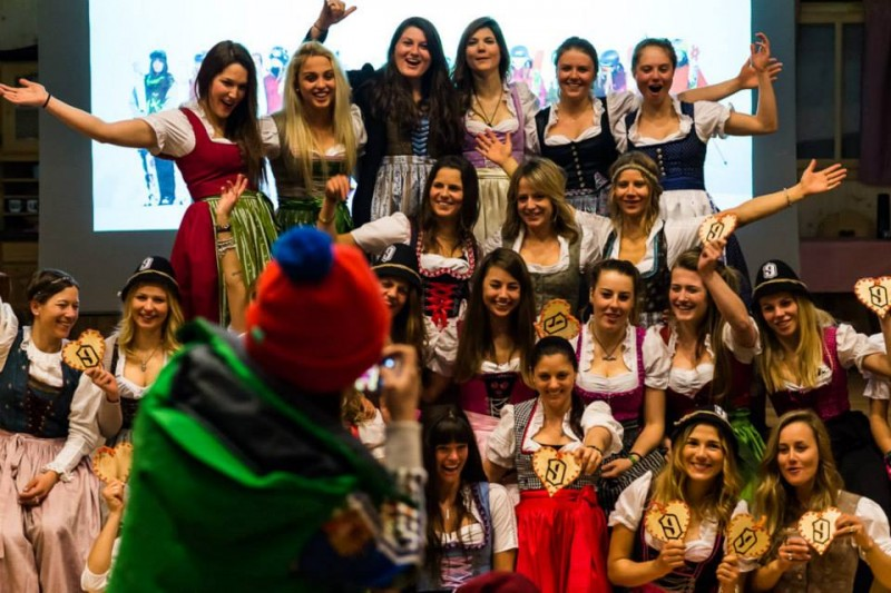 Welcome dirndl party !